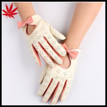 Girl's cream short driving leather gloves with butterfly