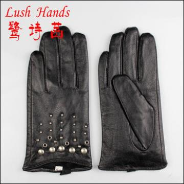 2016 popular women genuine leather gloves with metal rivets and knuckle holes