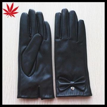 Women fashion cheap PU leather gloves with butterfly