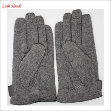 ladies grey woolen gloves with three stitches