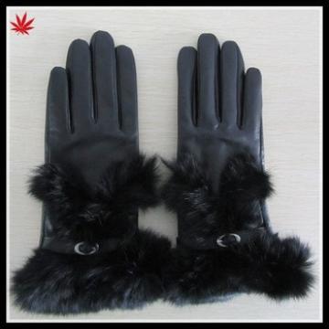Women black patent leather glove with rabbit fur cuff