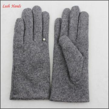 ladies simple and fashion woolen gloves with pearl ring