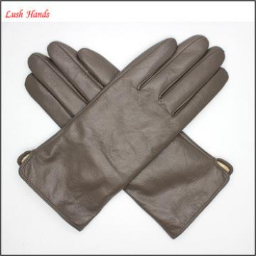 Womens cheap wholesale leather gloves simple style in 2016