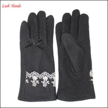 Ladies high-quaity black woolen gloves with lace on wrist for wholesale