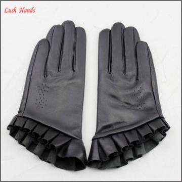 2016 spring leather hand gloves women short hand gloves with lace