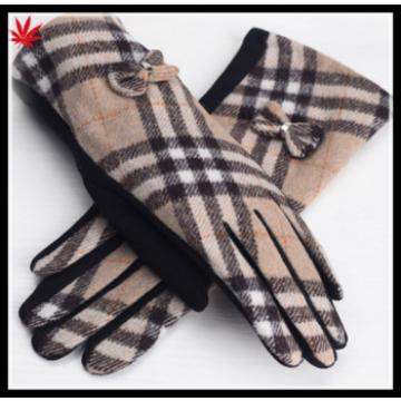 ladies back fabric and palm mirco velvet match gloves have small bowknot