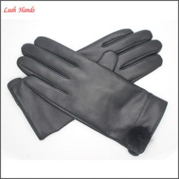 2017 New style ladies black genuine sheepskin gloves with fur