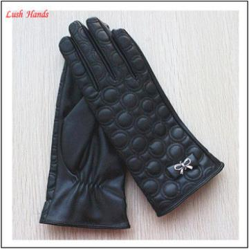 2016 Fashion Cheap Lady PU Touch Screen Gloves with metal decorations