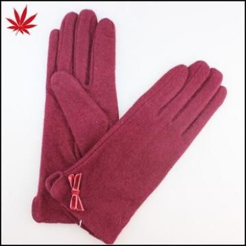Girl's red wool gloves with fashion small bowknot