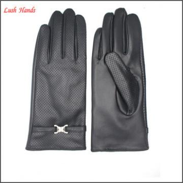 fashion sheep leather perforate sheel women touchscreen leather glove and with The fine metal accessories