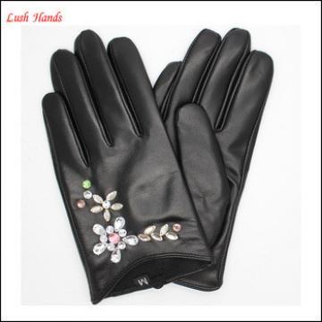 Fashion elegant ladies short Beautiful diamond inlaid pattern leather gloves