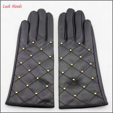 ladies winter fashion smartphone hand gloves with embroidery and nails