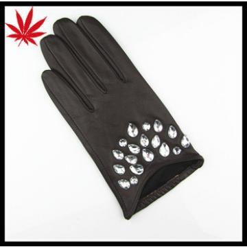 Truly short elegant diamond Ladies leather gloves
