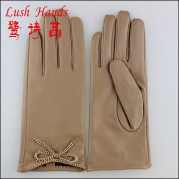 New arrivals! New light brown lady leather gloves with fashion chains
