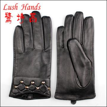 2016 men's black unexpensive wholesale leather gloves with studs on the cuffs
