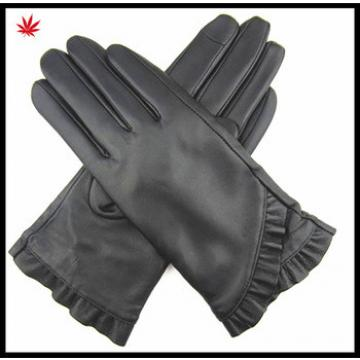 lady black leather gloves with samll swallow tail side