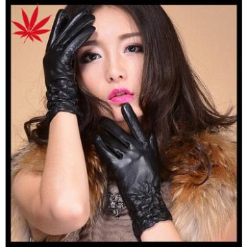 Fashion elastic cuff Women's black Leather Gloves to keep warm in the cold winter