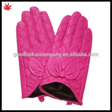 ladies Coquettish pink Leather Gloves