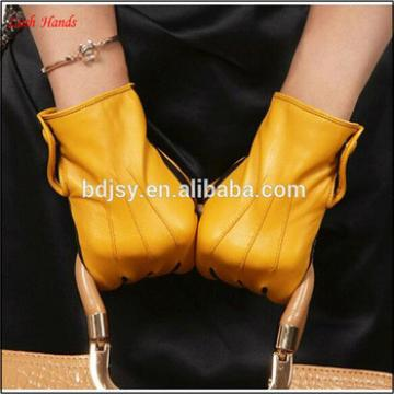Ladies yellow joint black button winter leather gloves