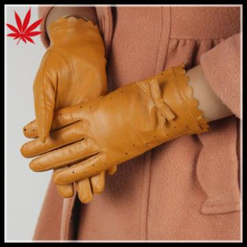 Thin leather gloves with punching section and butterfly ladies leather gloves