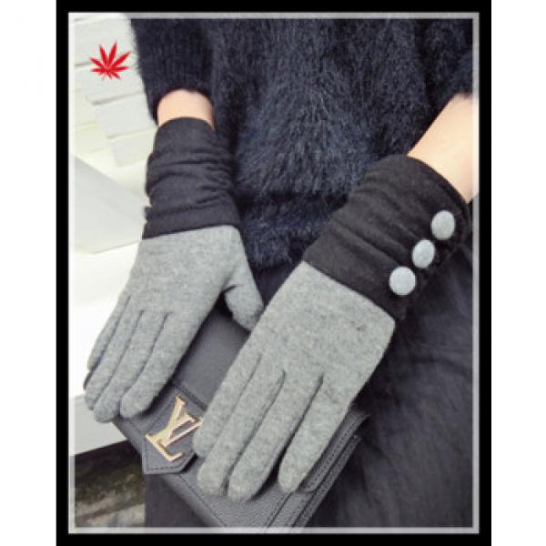 2016 popular inexpensive woolen warm gloves with buttons #1 image